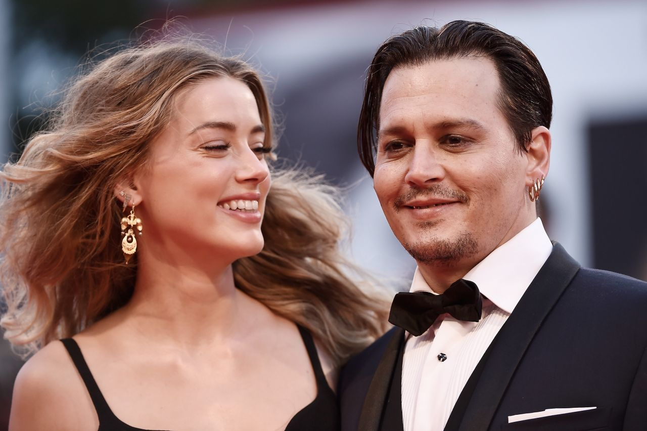 amber-heard-and-johnny-depp-black-mass-premiere-at-the-72nd-venice-film-festival_10