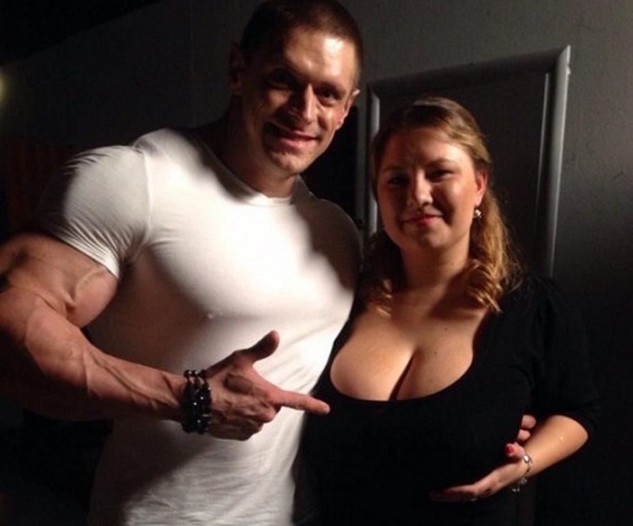 Cамый большой бюст Украины: в Полтаве живет девушка с 11-м размером груди