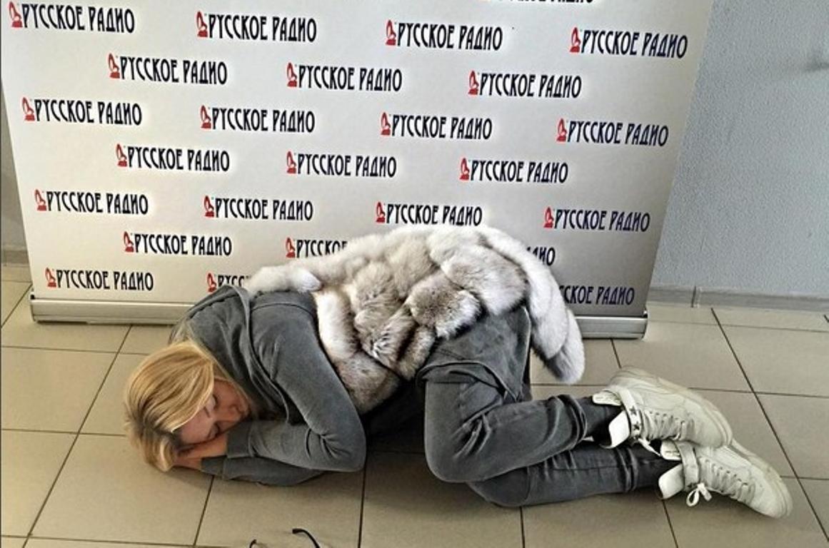 Ирина Дубцова уснула в общественном месте