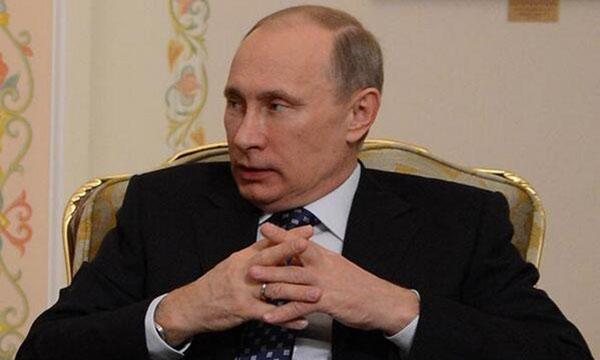 Также обручальное кольцо можно было увидеть и у Владимира Владимировича