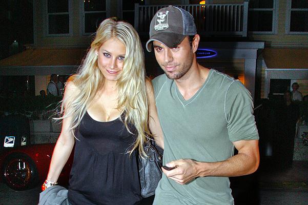 Anna Kournikova and Enrique Iglesias out for dinner in Miami