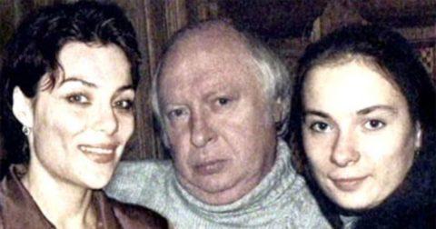 Ободзинский с дочерьми - Анжелой (слева) и Валерией (справа) .