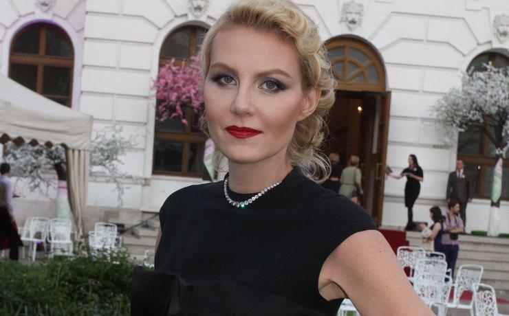 Рената Литвинова поздравила Земфиру с 40-летием