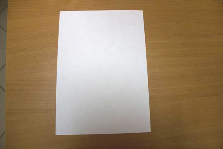 как сделать из бумаги самолет который летает 100 метров