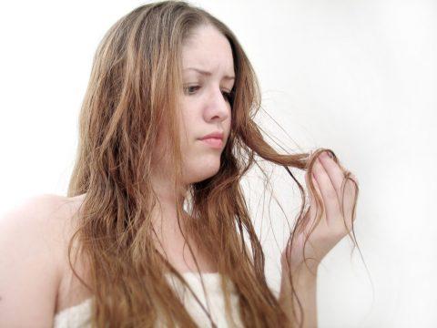 Сильно выпадают волосы после родов - что делать?