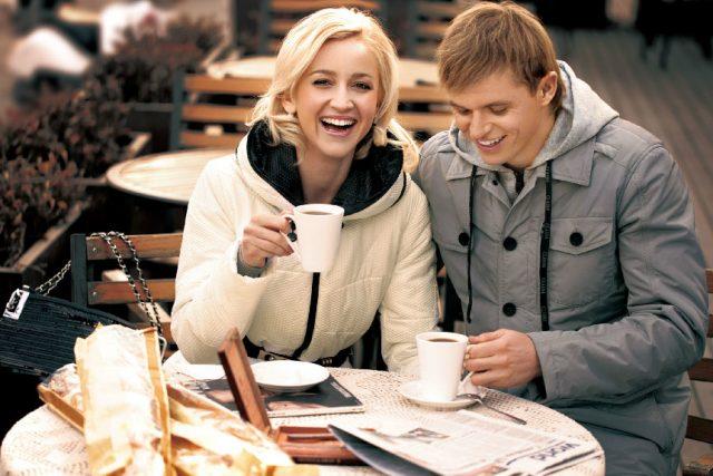 Телеведущая Бузова иТарасов разводятся. 2016 год краха брака