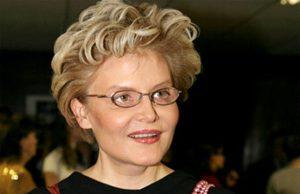 Елена Малышева: биография, личная жизнь, дети, семья, муж (фото)