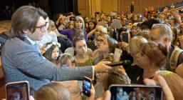 Андрей Малахов попал в скандал с детьми