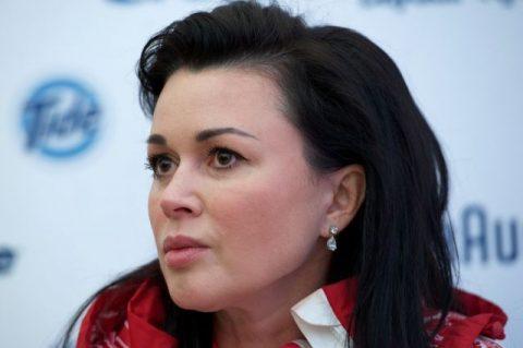 Актрису Заворотнюк могут признать банкротом