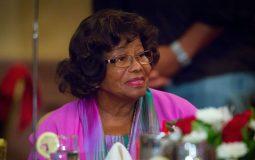 Мать Майкла Джексона подала в суд на племянника