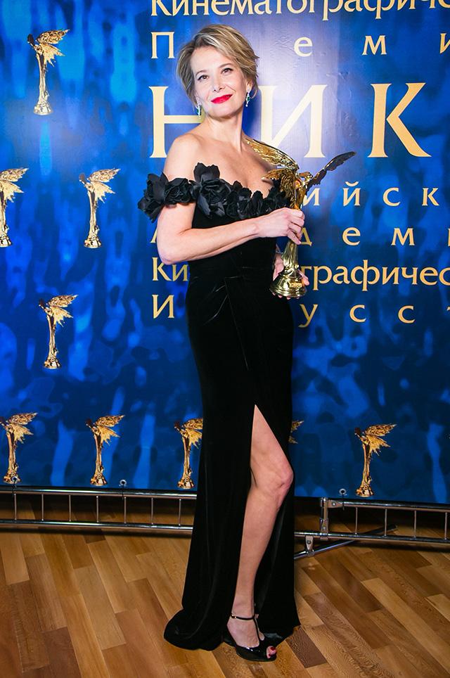 Юлия Высоцкая обнажила свои прелести перед публикой