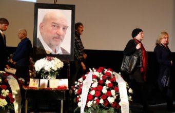 Вдова устроила скандал на похоронах актера Петренко