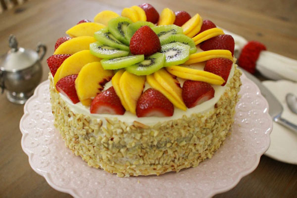 Торт из готовых бисквитных коржей рецепт с фото пошагово