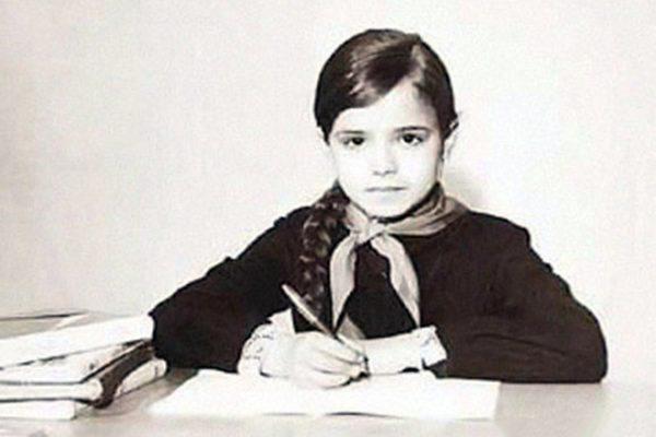 Елена Цыплакова в школьные годы
