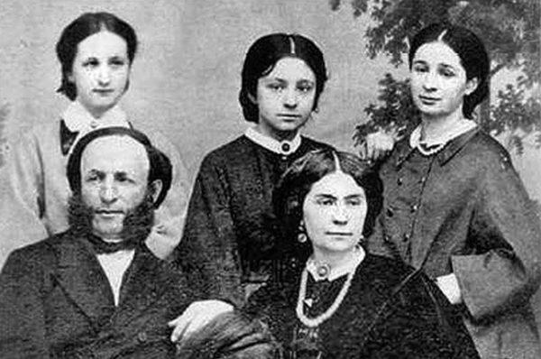 Иван Айвазовский с женой и дочерьми