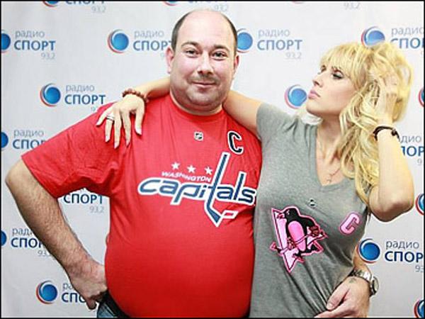 Дарья Миронова со своим соведущим Владимиром Дехтяревым