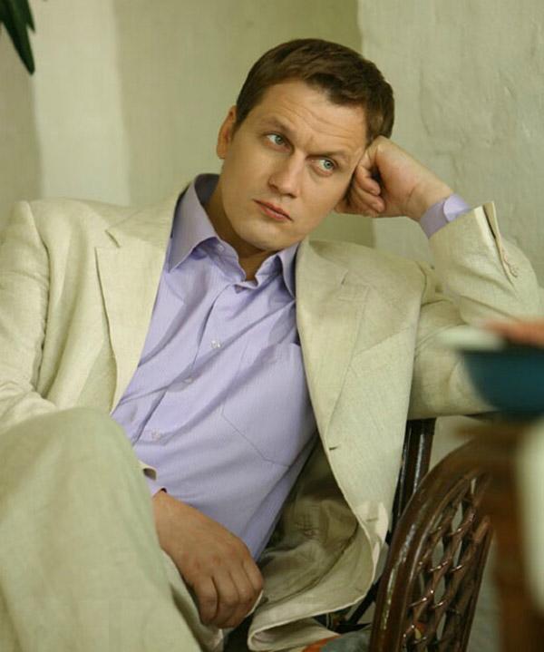 Актер Павел Новиков