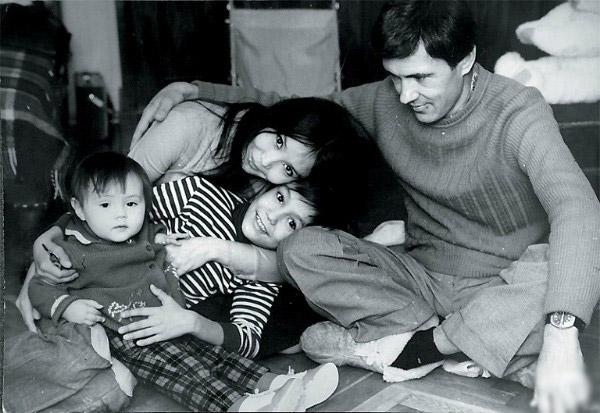 Екатерина Двигубская с бывшим мужем и детьми