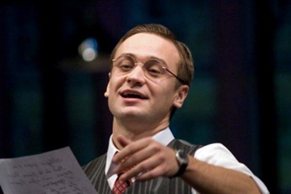 Кирилл Жандаров на сцене театра