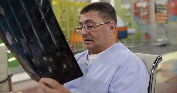 Александр Мясников: врач