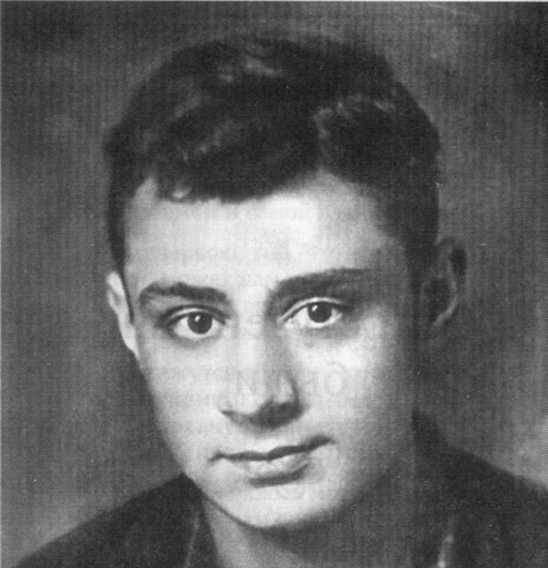 Эдуард Асадов служил в армии