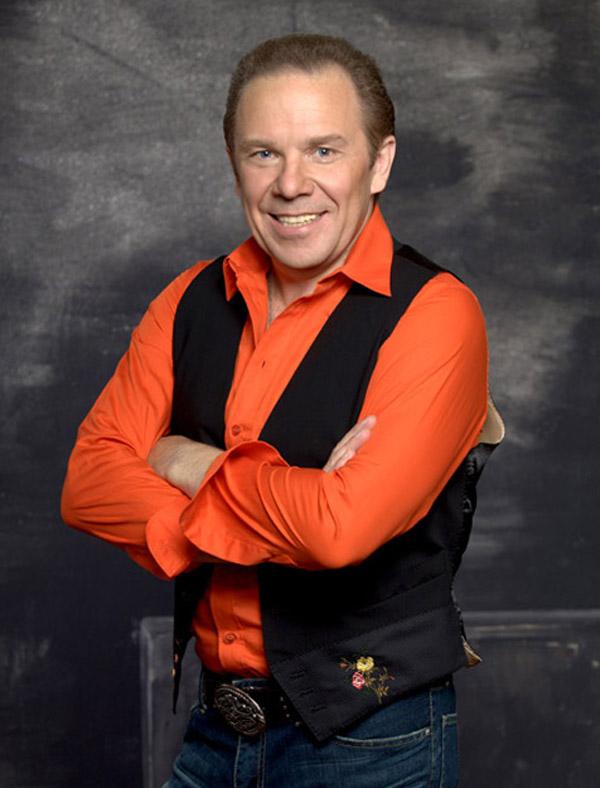 Известный музыкнт Владимир Девятов