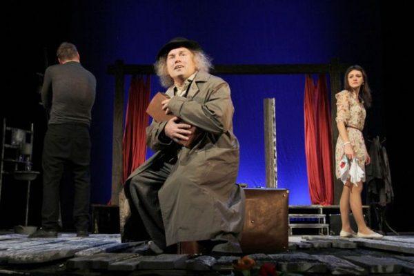 Виктор Сухоруков на сцене театра