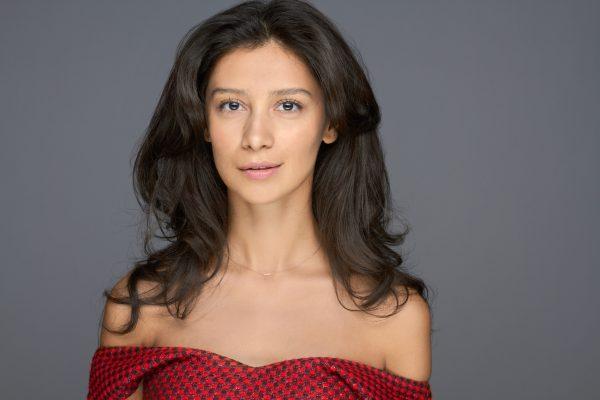Актриса Равшана Куркова