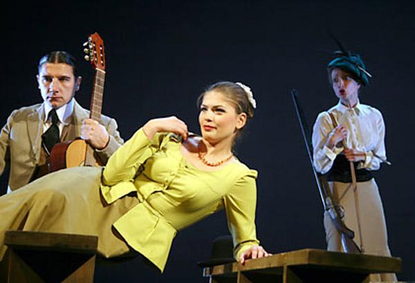 Юлия Галкина на сцене театра