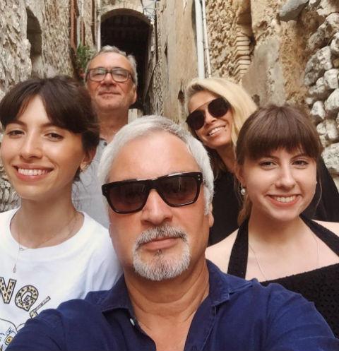Семейство Меладзе отправилось на каникулы во Францию