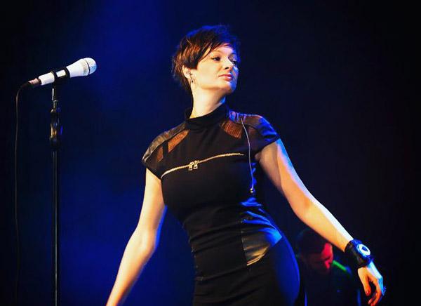 Виктория Талышинская на сцене