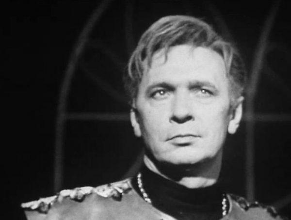 Геннадий Карнович-Валуа на сцене театра