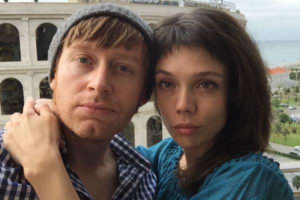Илья Сафронов со своей девушкой