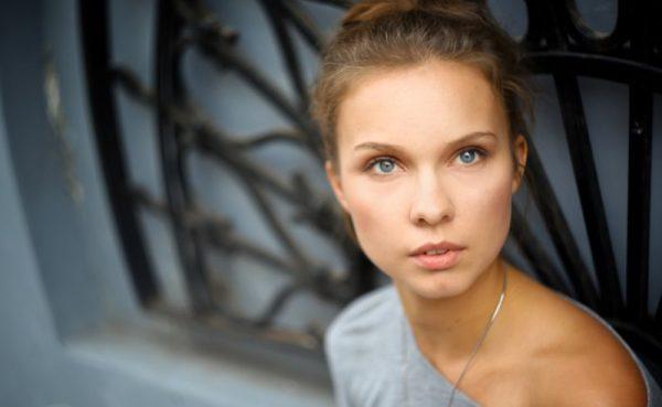 Актриса Полина Сыркина