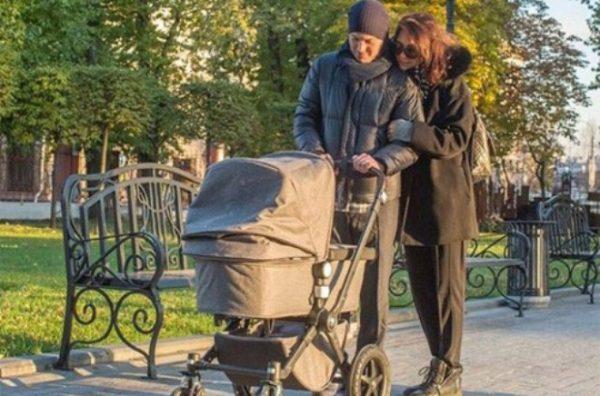 Гела Месхи с женой Екатериной Климовой и дочерью Бэллой
