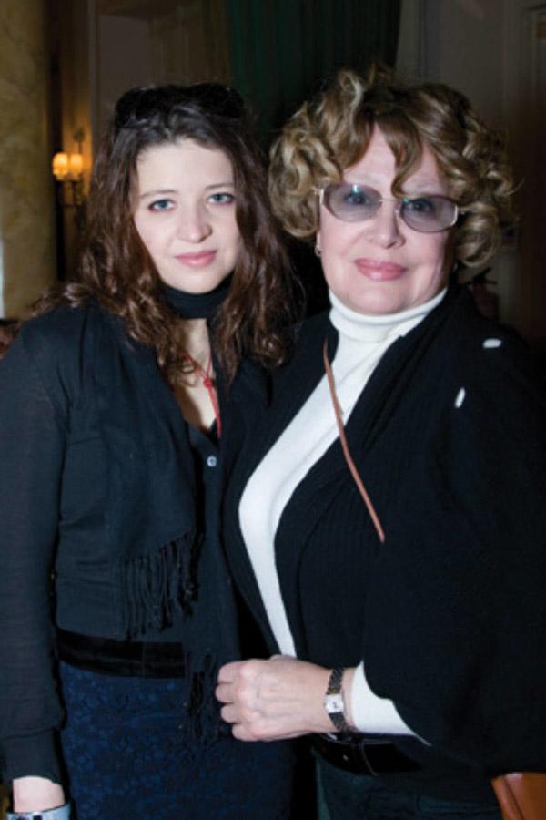 Марина Неелова со своей дочерью Никой
