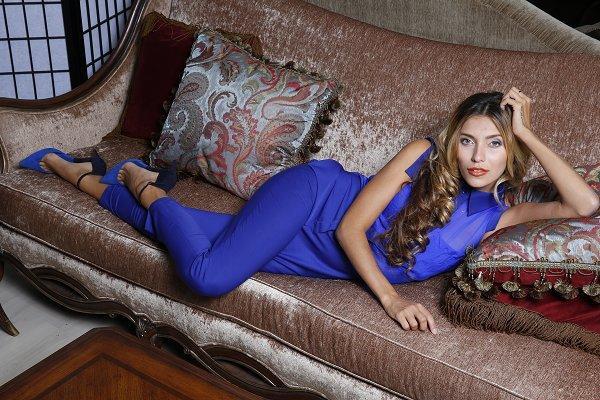 Красивая девушка Регина Тодоренко