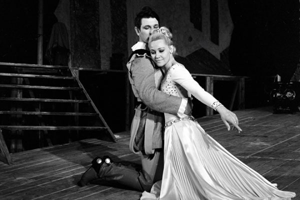 Татьяна Конюхова на сцене театра