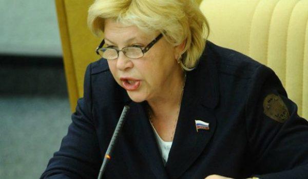 С киноиндустрии Елена Драпеко переключилась на политику