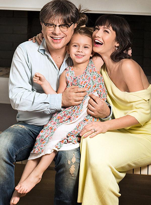 Валерий Тодоровский и Евгения Брик с дочерью Зоей