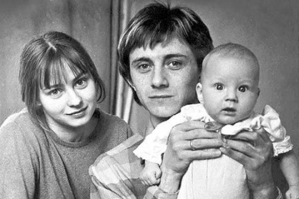 Евгения Добровольская с первым мужем и старшим сыном