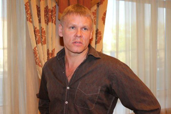 Актер Илья Соколовский