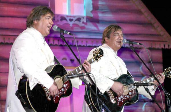 Братья Радченко на сцене
