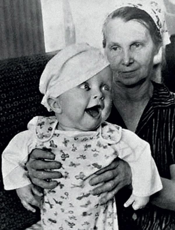Василий Аксенов в детстве