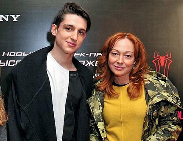 Виктория Тарасова со своим сыном