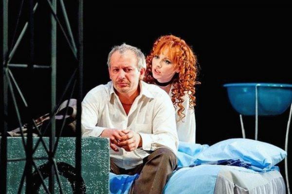 Елена Ксенофонтова и Дмитрий Марьянов на сцене театра