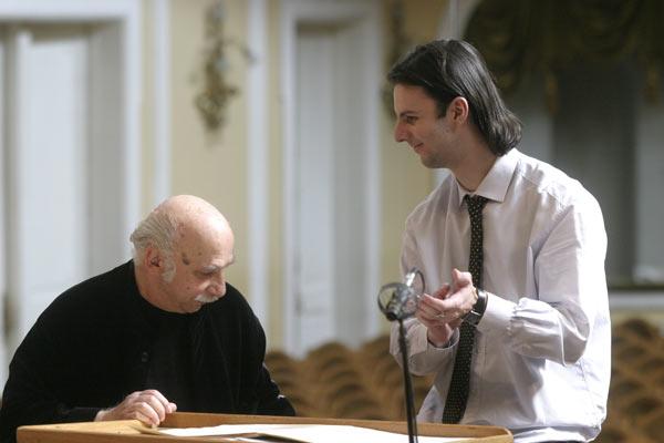 Теодор Курентзис является постановщиком балета и оперы