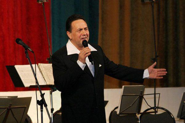 Ренат Ибрагимов на сцене