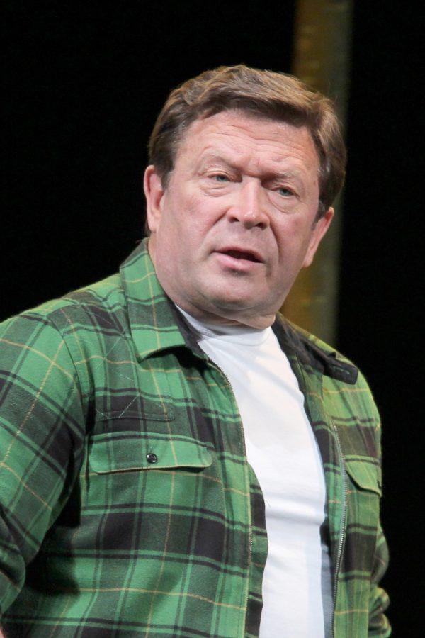 Георгий Мартиросян на сцене театра