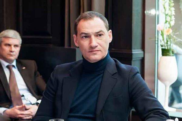 Известный ведущий Роман Бабаян